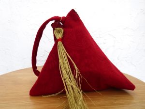 _bag-triangle-red-2