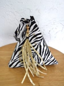 _bag-triangle-zebra-main