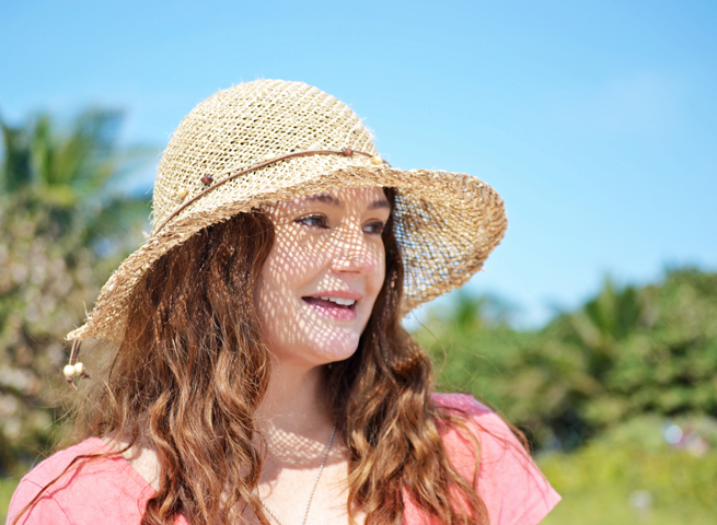 Sea turtle charm seagrass straw hat